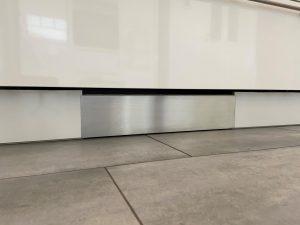 ROBiBOX-Plus mit Frontblende aus gebürstetem Edelstahl